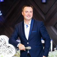 Ведущий Дмитрий Зимо